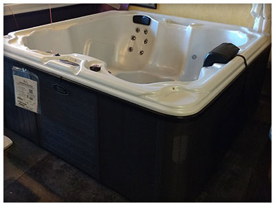 Hot Tubs Available at Sunny's Flat Rock