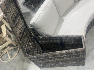Patio Renaissance Del Mar wicker basket ends